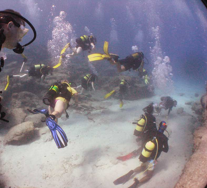 Alpha Divers with students Larnaca